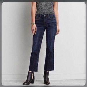 AMERICAN EAGLE hi-rise kick crop jeans